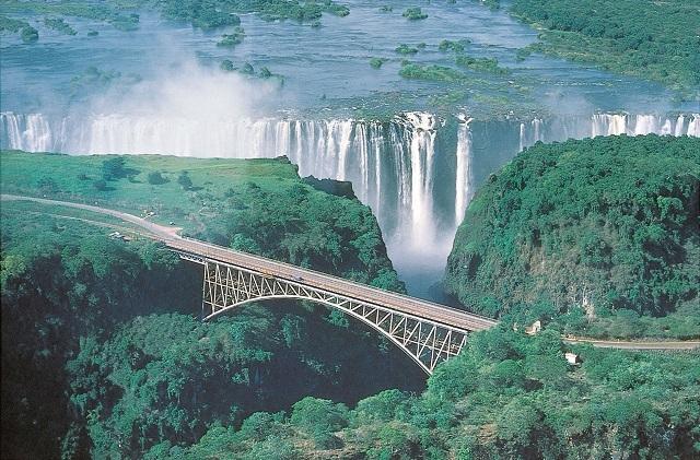 津巴布韦旅游-全球最大瀑布
